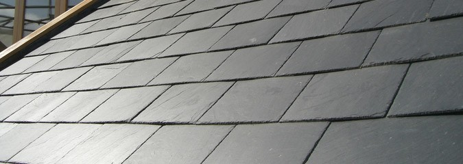 Roofs with slate tiling